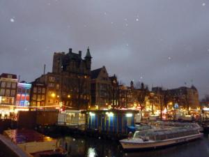 un canal a Amsterdam