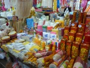stand dans le marché wararot à chiang mai