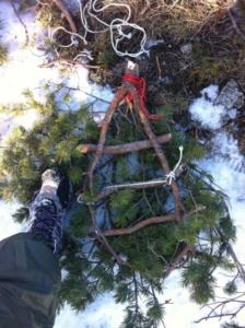 raquettes faites avec des branches