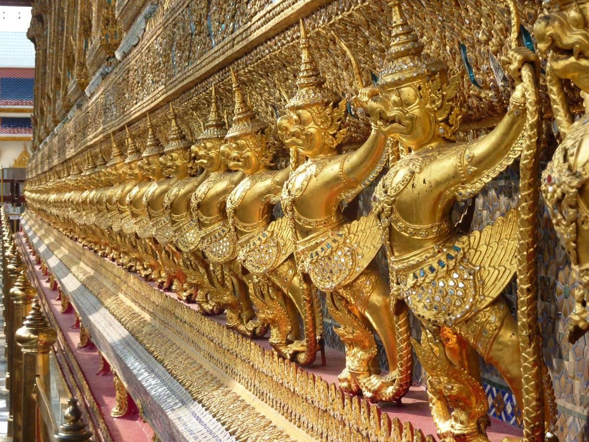 statues du Wat Phra Kaeo
