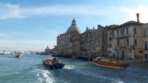 Vue sur le gran canal à Venise