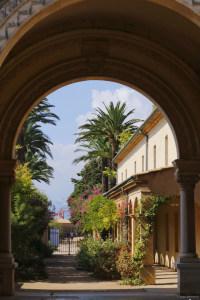 Voute et jardin à l'Abbaye de Lerins