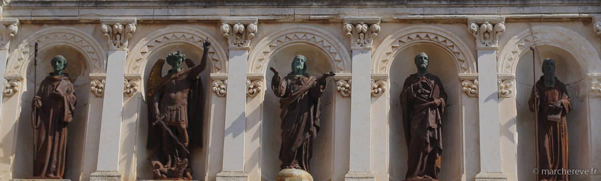 statues à l'Abbaye de Lerins