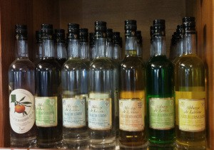 liqueurs de lérina en vente sur l'ile Saint Honorat
