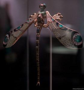Pectoral en forme de femme-libellule de Lalique