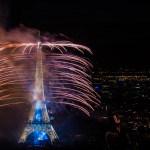 feu d'artifice sur la tour Eiffel