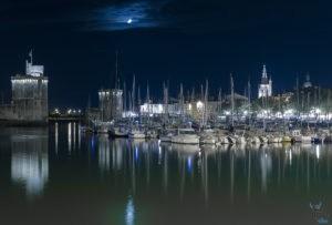 le vieux port de la Rochelle, de nuit