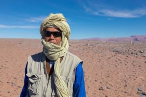 Ali guide du désert